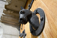 Aldrava de porta - castelo de Neuschwanstein - Alemanha fotos de stock