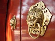 Aldrava de porta chinesa Imagem de Stock