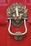 Aldrava de porta de bronze Imagem de Stock