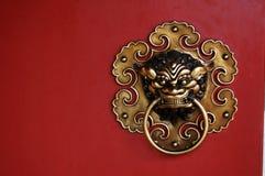 Aldrava de porta decorativa Imagens de Stock Royalty Free