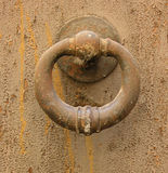 Aldrava de porta velha Foto de Stock