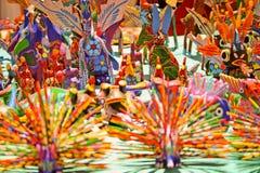 Alebrijes,从瓦哈卡的典型的墨西哥工艺 库存图片