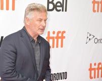 Alec Baldwin på premiären av ` den offentliga `en på Toronto den internationella filmfestivalen 2018 arkivbild