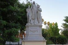 Alegoría a la ciencia en una estatua de piedra fotografía de archivo libre de regalías