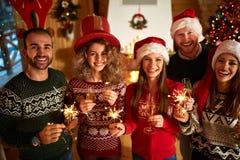 Alegría del Año Nuevo con las chispas y el chamán Imagen de archivo libre de regalías