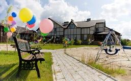 alei balonów ławki kolorowa pobliski huśtawka Zdjęcia Royalty Free