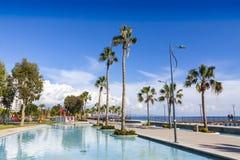 Aleia do passeio no parque de Molos no centro de Limassol, Chipre foto de stock