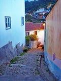 Aleia traseira de Penedo, Portugal Foto de Stock