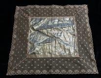 Aleijado feito a mão & laço dos lenços do vintage Fotografia de Stock