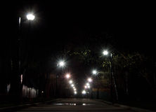 Aleja iluminująca światłem lampion noc Zdjęcie Stock