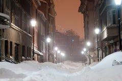 Aleja pełno śnieg noc Zdjęcie Royalty Free