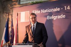 Aleksandar Vucic, presidente da Sérvia que está e que faz um discurso na embaixada francesa durante uma conferência de imprensa fotografia de stock royalty free
