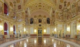 Aleksandrovsky Pasillo del palacio magnífico del Kremlin en Moscú, Rusia imagen de archivo