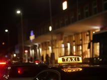 Alemán de la muestra del taxi Foto de archivo