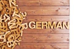 Alemán de la palabra hecho con las letras de madera Fotografía de archivo libre de regalías