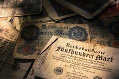 Alemão Mark Bills no país Histo de Alemanha da moeda do vintage da pilha Imagens de Stock