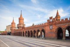 Alemania, Berlín - puente de Oberbaum Imágenes de archivo libres de regalías