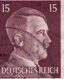 ALEMANIA - CIRCA 1942: Un sello impreso en Alemania muestra el retrato de Adolf Hitler, circa 1942 Imágenes de archivo libres de regalías