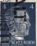 ALEMANIA - CIRCA 1942: Un sello impreso en Alemania muestra el retrato de Adolf Hitler, circa 1942 Fotos de archivo