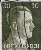 ALEMANIA - CIRCA 1942: Un sello impreso en Alemania muestra el retrato de Adolf Hitler, circa 1942 Foto de archivo libre de regalías