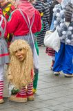 Alemania, Lahr - 17 de enero: Los participantes en trajes realizan un s Fotos de archivo