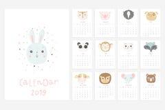 2019 alendar Divertimento e calendário bonito com os animais tirados mão ilustração stock