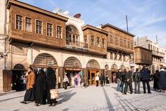 Aleppo, Syrien, Leute auf Straße in der historischen Mitte von Aleppo Lizenzfreies Stockfoto