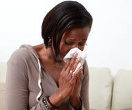 Alergia de la mujer foto de archivo libre de regalías
