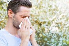 Alergia, primavera, hombre Imágenes de archivo libres de regalías
