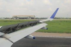 Alerones de los mandos de vuelo Foto de archivo