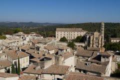 Ales, Frankrijk: Beeld met de stad hierboven wordt gezien die van Royalty-vrije Stock Foto's