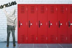 Alesaggio di scrittura dell'adolescente Immagine Stock Libera da Diritti