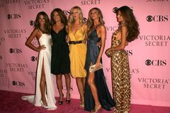Adriana Lima, Alessandra Ambrosio, Gisele, Gisele Bundchen, Izabel Goulart, Karolina Kurkova, Victoria's Secret, Giselle, Giselle  Stockbilder