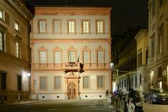 Alessandro Manzoni-Haus nachts, Mailand, Italien Stockbilder