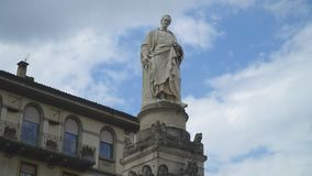 Alessandro Volta Statue vídeos de arquivo