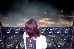 Alesso瑞典DJ和电子舞蹈音乐生产商执行在小谎节日 免版税库存照片