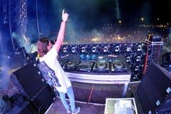 Alesso (瑞典DJ和电子舞蹈音乐生产商)执行在小谎节日 免版税库存图片