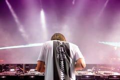 Alesso (瑞典DJ和电子舞蹈音乐生产商)执行在小谎节日 图库摄影
