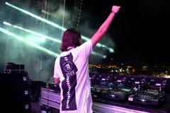Alesso (瑞典DJ和电子舞蹈音乐生产商)执行在小谎节日 免版税图库摄影