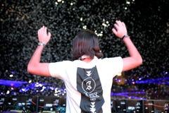 Alesso (disc-jockey suédois et producteur électronique de musique de danse) exécute au festival de BOBARD photos libres de droits