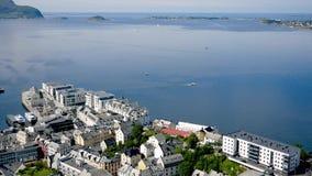 Alesund美丽的北部冷的海的和海湾在挪威海湾 股票录像
