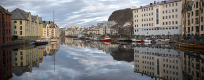 Alesund, κύρια στέλνοντας πόλη του Sunnmøre distric Στοκ Φωτογραφίες