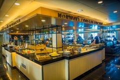 ALESUND, ΝΟΡΒΗΓΙΑ - 4 ΑΠΡΙΛΊΟΥ 2018: Εσωτερική άποψη της κουζίνας πολυτέλειας μέσα του ταξιδιού Hurtigruten στην κρουαζιέρα κατά  Στοκ φωτογραφία με δικαίωμα ελεύθερης χρήσης