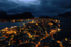 Alesund bij nacht Royalty-vrije Stock Foto's