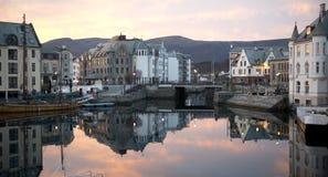 Alesund, ciudad principal del envío del Sunnmøre distric Imagenes de archivo
