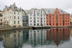 Alesund historiska byggnader i Alesund, Norge Arkivbild