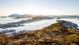 Alesund horisontpanorama på soluppgång Royaltyfri Foto