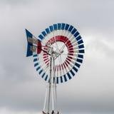 Aleta clássica velha do moinho de vento imagens de stock royalty free