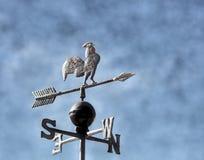 Aleta para marcar o vento com as setas dos pontos cardinais Imagens de Stock Royalty Free