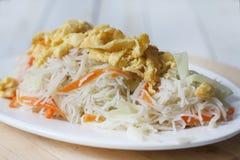 Aletria fritada, alimento chinês do tradtional fotografia de stock royalty free